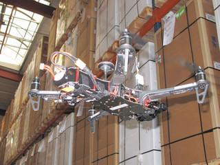 Un drone indoor pour gérer les inventaires et contrôler les stocks
