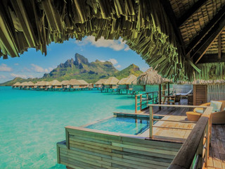 Drone video of the week ! FLYING OVER BORABORA