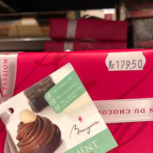 Assortert konfekt i gavepakke