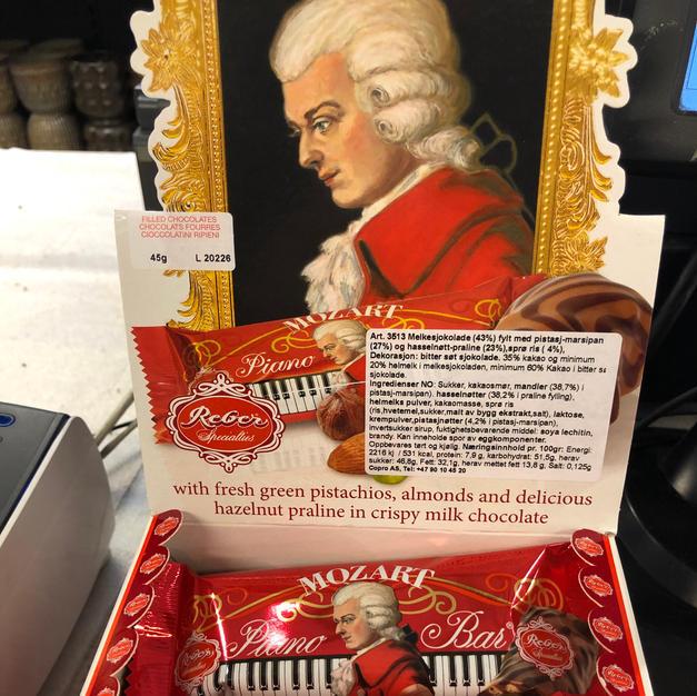 Anton Berg marsipan og sjokolade