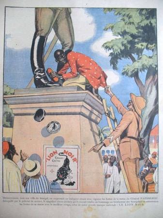 """La statue de Faidherbe et l'affiche de la marque de cirage """"LION NOIR"""""""