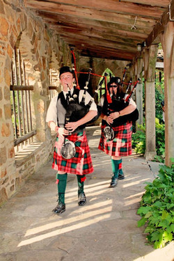 two pipers piping 4