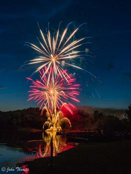 Lake Fairfaz Fireworks 3