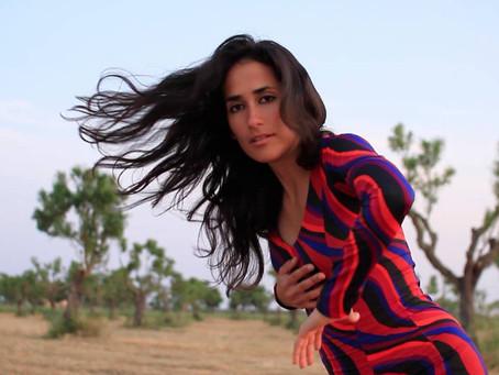 Иностранка во фламенко