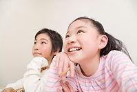 笑顔の小学生男女.jpg