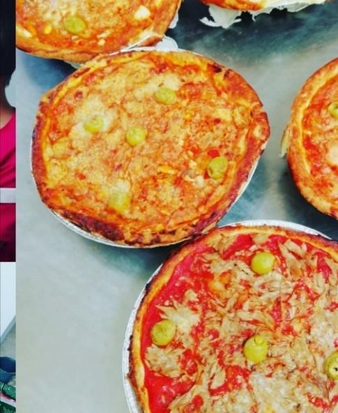 PIZZA BACON Y QUESO/ATÚN Y OLIVAS