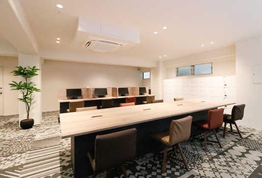 Lounge_5_s.jpg