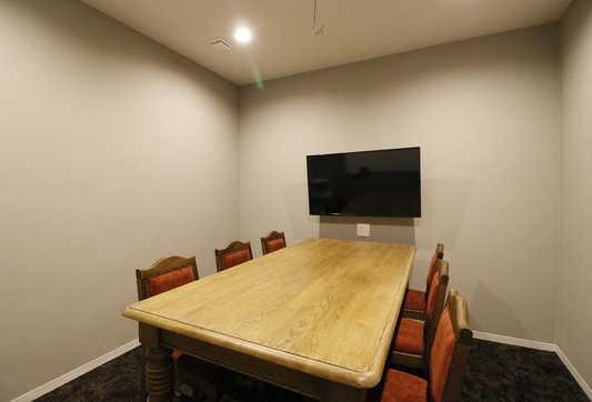 会議室(6名用).JPG