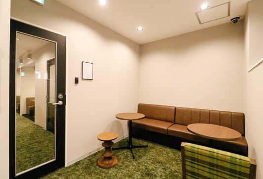Lounge_3_S.jpg