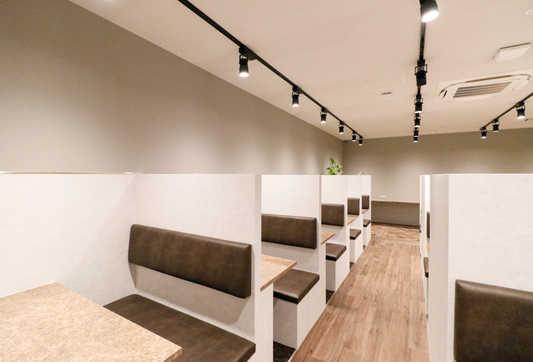 Lounge2_2.jpg