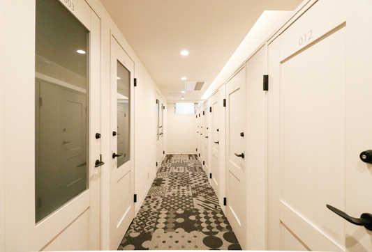 Corridor_s.jpg