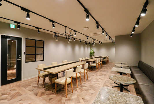 Lounge1_3.jpg