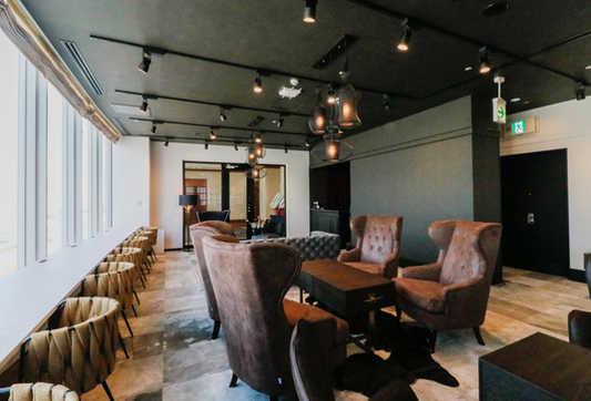 Lounge_1_4_s.jpg