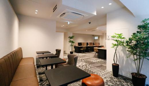 Lounge_1_s.jpg