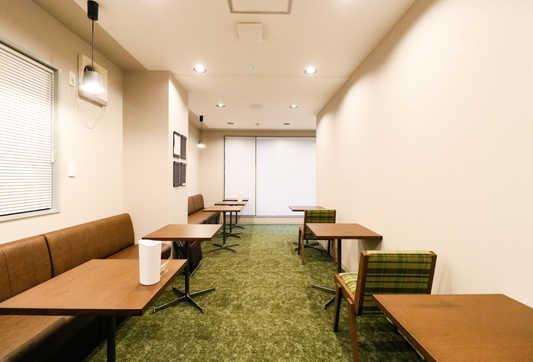 Lounge_2_S.jpg