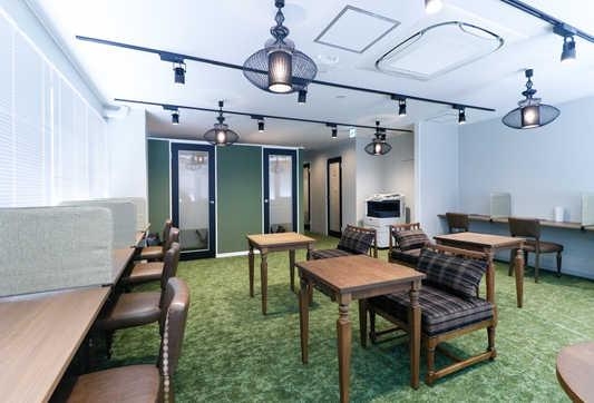 Lounge3_s.jpg