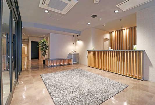 entrance_001.jpg