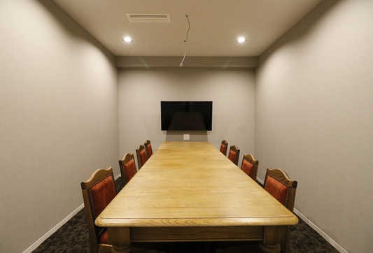 会議室(8名用).JPG