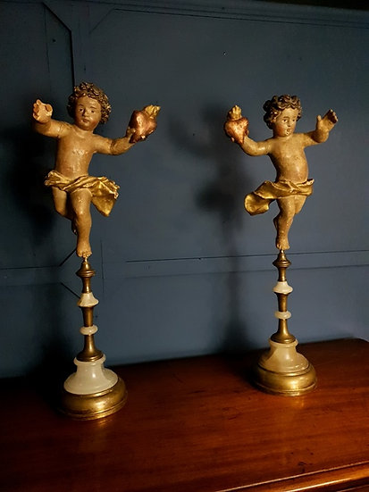 Pair of 18th century handed Putti