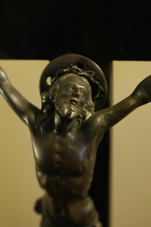corpus cross