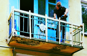 Отделка балкона сайдингом в Оренбурге