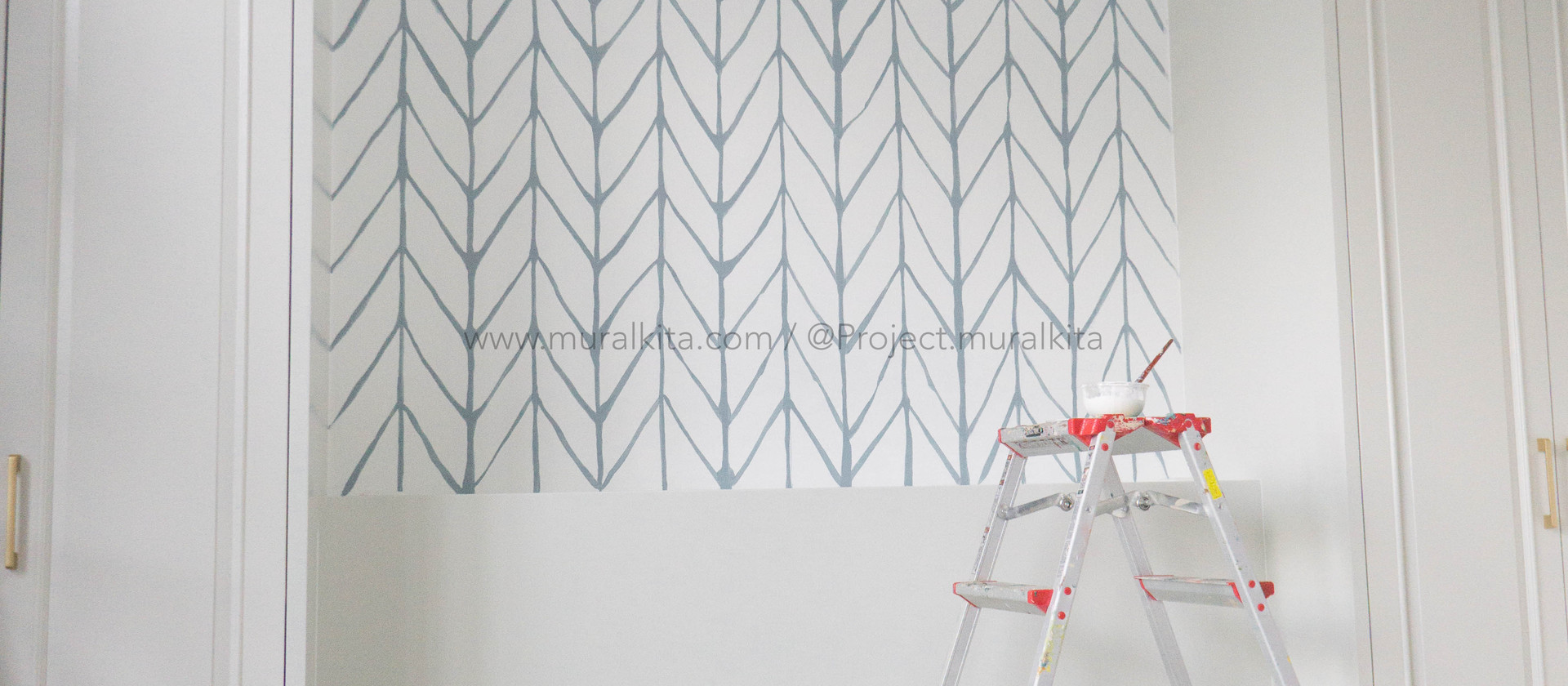 Mrs. Clara's Bedroom - Simple Chevron Pattern