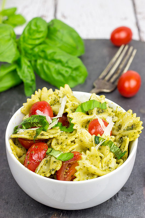 Pesto Pasta with Chicken and Tomatoes                Size:  Full Pan