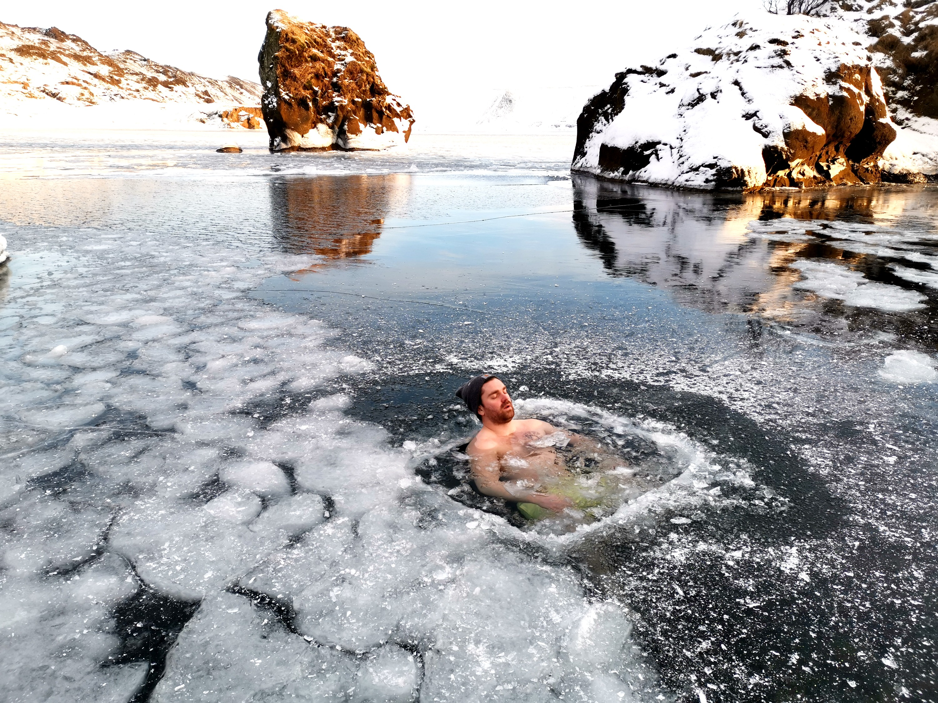 ANDRI ICELAND - ICE BATH IN NATURE