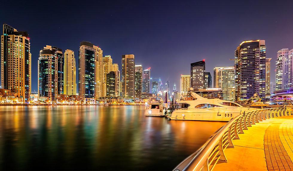 night-dubai-marina-skyline-dubai-united-arab-emira-4S27DB3.jpg