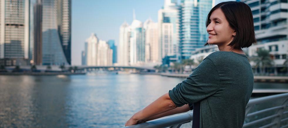 famous-place-dubai-marina-luxury-and-comfortable-tourism-season-in-united-arab-emirates_t2