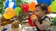 Smash the fruit: 5 razões para escolher as frutas durante o ensaio fotográfico do bebê