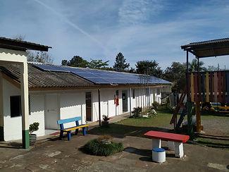 Escola com Energia Solar.jpg