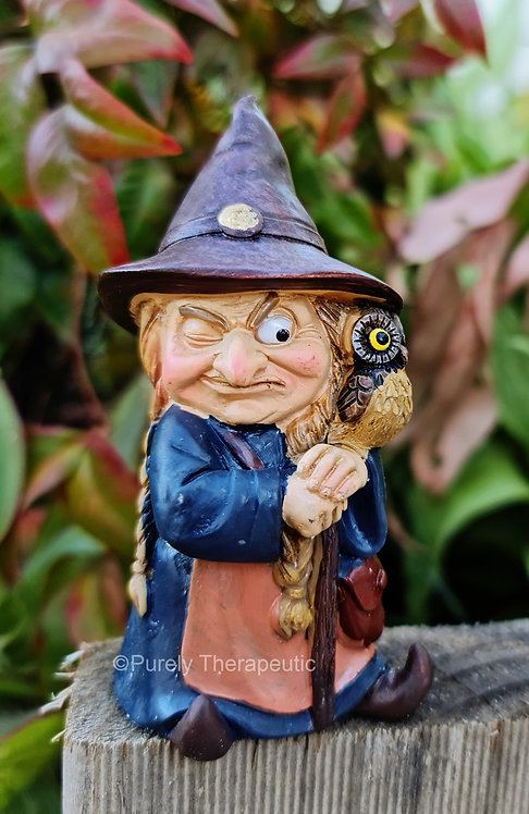 Witch_with_Owl_Figurine