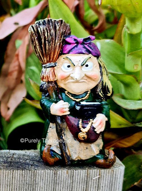 Witch_Purple_Kerchief_Figurine