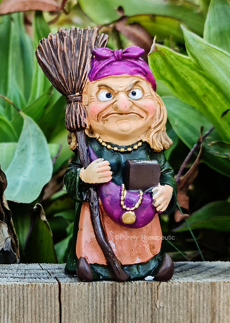 Witch_with_Broom_Figurine