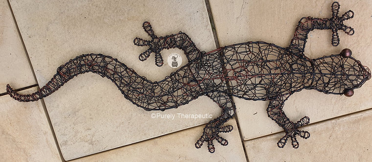 woven wire gecko wall hanging