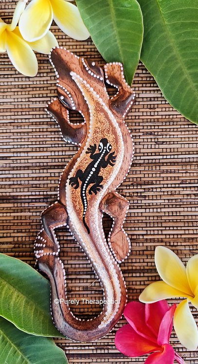 Balinese wooden hand painted gecko