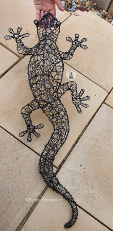 Silver wire gecko wall hanging