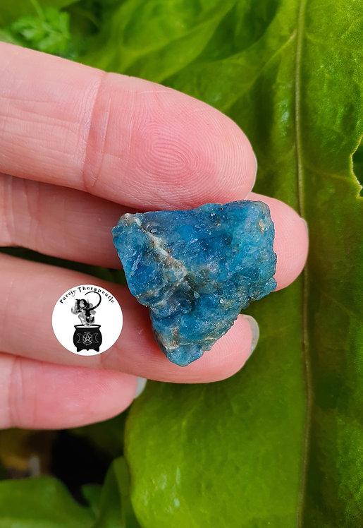 Apatite_Raw_Gemstone_Crystal