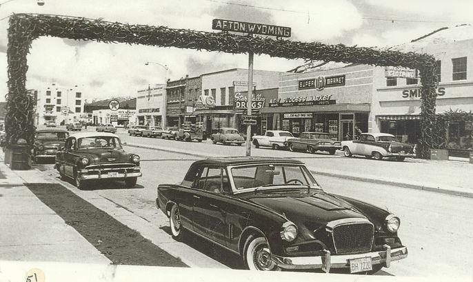 Afton-Main-Street-Elk-Horn-Arch-historic