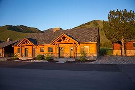 Mountain Inn Condos Image.jpg
