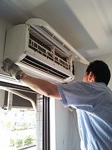 壁掛ルームエアコン清掃は空気清浄機サービス