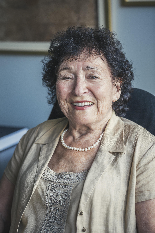 Lili Dicker