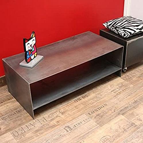 Table acier design acier brut où teinté