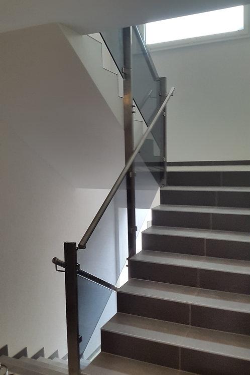 Garde-corps d'escalier rampant