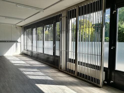 Fenêtre et porte avec grille de sécurité