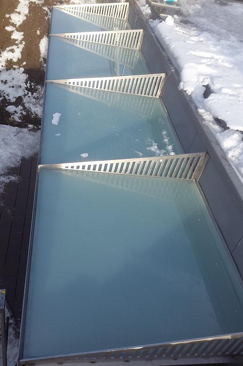 Couvert d'entrée et avant toit, verre, tôle, led, inox