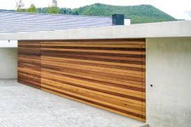 Porte basculante décorative en bois, motorisation