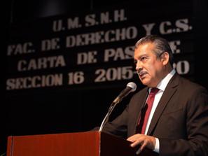 """Raúl Morón Orozco """"apadrinó"""" a la Sec. 16 de la FDCS. Generación 2015-2020 de la UMSNH."""