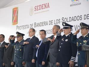 Importante que los jóvenes cumplan con su deber institucional: Salas Valencia